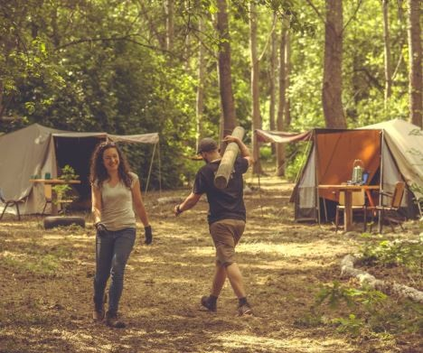 pop-up camping in aanbouw